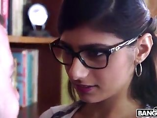 BANGBROS - Mia Khalifa is Back and Sexier Than Ever! Check In the chips Out!