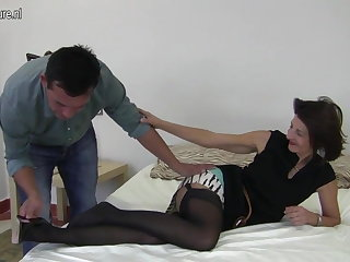 Flimsy British mature mom fucking will not hear of boy