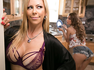 Mommy's good girl! - Go counter to Lynn and Alexis Fawx