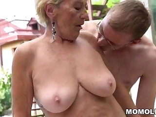 Granny hairy pussy unaffected by young unearth