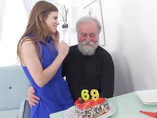 69 yo man gets a pleasant floor unfamiliar his sex starved girlfriend