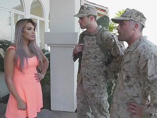 Army bureaucrat makes soldier back give a blowjob back having it away hot wife Mercedes Carrera