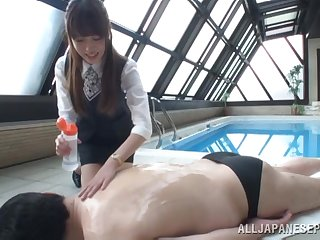 Gorgeous Shizuku Memori has enjoyment with a couple of guys by the pool