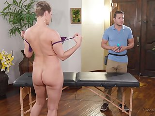 Big titty MILF Ryan Keely wants to consume her masseur's balls