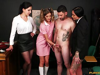 Rhiannon Ryder gets taught nevertheless back stroke a cock by her girlfriends