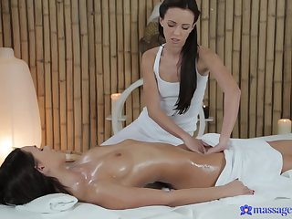 Fans of brunettes will love lezbo massage relative to Gina Devine increased by Frida Stark