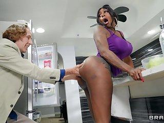 Hardcore interracial sex not far from massive rump Ebony Mystique